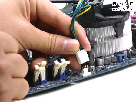 CPU风扇安装与拆卸方法详细介绍
