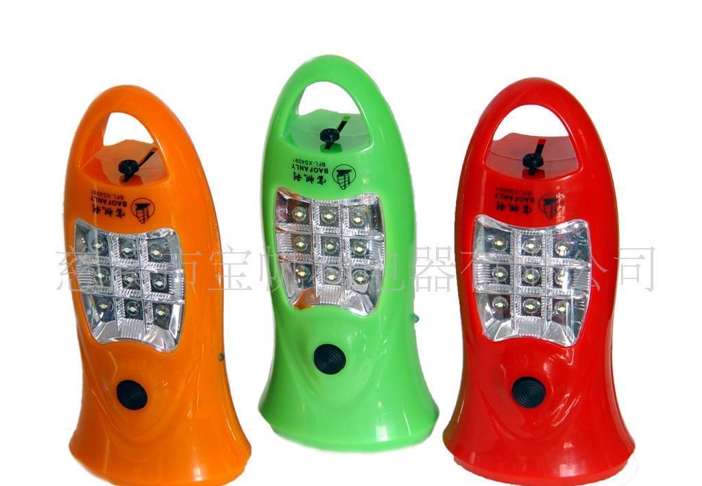 供应充电带侧灯的手电筒 充电手电筒 LED手电筒