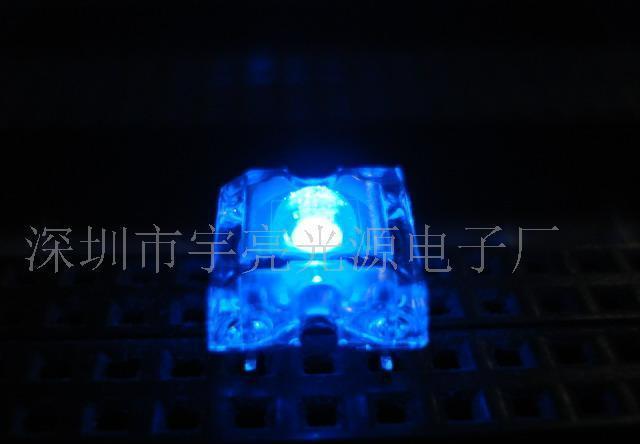 供应5mm食人鱼蓝色led发光二极管